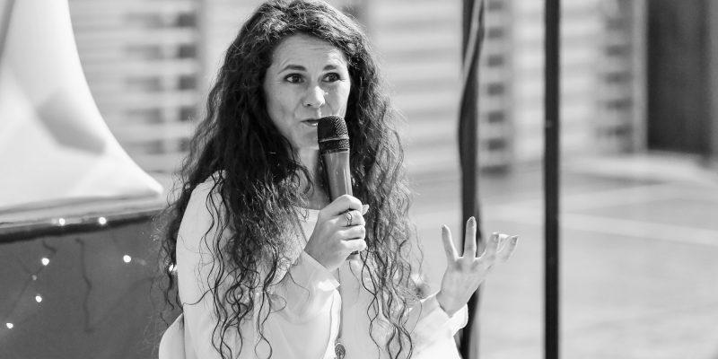 Janette Šimková pri prednášaní